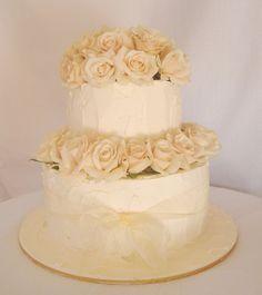 Buttercream Wedding Cakes | Fresh Roses and Buttercream Wedding Cake | Flickr - Photo Sharing!