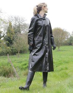 #RaincoatsForWomenHoods