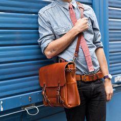 Bleu de Chauffe   Men   Leather messenger bag   Postman Bag Eclair   Sac cuir Made in France