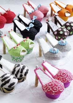 super cute shoe cupcakes!!! oh. my. goodness. I love these!!!