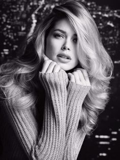 Doutzen Kroes is a Dutch model, was born in Easterma on January Welcome to your fan club! Fashion tips based on the looks of Doutzen, news and photos. Doutzen Kroes, Foto Glamour, Glamour Hair, Beauté Blonde, Blonde Model, Beauty And Fashion, Pretty Face, Her Hair, Beauty Women