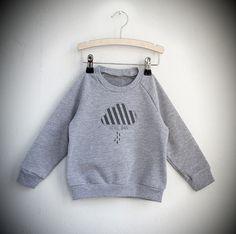 Kinder Sweater mit Wolke // kids sweater with cloud by Little Man Happy via DaWanda.com