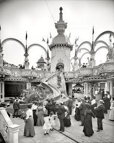 Vintage Amusement Park: The Helter Skelter at Luna Park, Coney Island, New York. Detroit Publishing Co. Best Amusement Parks, Amusement Park Rides, Coney Island, Photos Du, Old Photos, Park Photos, Belle Epoque, Nyc, Vintage Photographs
