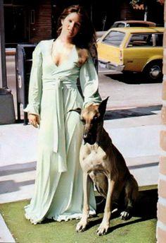 Priscilla Presley with Brutus.                                                                                                                                                                                 Mais
