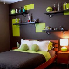 Bedroom for the tennis player of the family... Or inspiration for a classier sports themed room