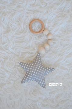 Hvězdička k zavěšení - šedá+béžová s hvězdičkama