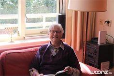 Binnenkijken bij de serviceflat van mevrouw Van Solkema (81)