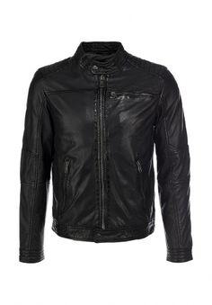 Кожаная куртка Oakwood классического черного цвета. Детали: средняя длина, прямой крой, застежка-молния, два внутренних и три внешних кармана, наполнитель из синтепона, мягкая подкладка, круглый воротничок, крупные строчки. Приведенные ниже измерения соответствуют размеру М. http://j.mp/1nloOzm