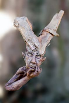 "Wooden spirit Xaver - sculpture from Tatjana Raum (""Chopoli"")... owuld love to have these in my garden"