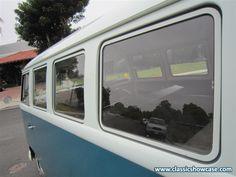 1965 Volkswagen Kombi by Classic Showcase
