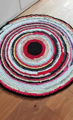 LuJo / RECY Háčkovaný okrúhly koberec - 97cm priemer