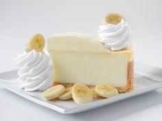 Elcheesecake, o pastel de queso, es un clásico entre los amantes de la repostería y los dulces. Existen cientos de maneras distintas de prepararlo, ya sea con o sin cocción, en versiones libres de lactosa y aptas para veganos, con lima, con maracuyá o con frutos rojos, en su forma más clásica. Esta receta deSerena …