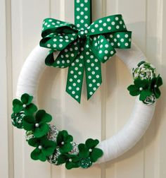 St Patrick's Day Wreath by daffadowndillies on Etsy, $33.00