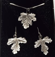 This jewellery set comprises of pendant and earrings and is made from real lemon scented geranium leaves.