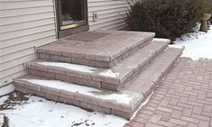 Many Styles of Paver Steps - Landscaping Outdoor Kitchens Outdoor Living in Columbus Ohio Patio Steps, Brick Steps, Stone Steps, Door Steps, Paver Stone Patio, Paver Walkway, Brick Pavers, Diy Paver, Stone Patio Designs