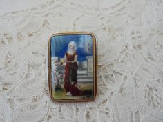 Antique porcelain brooch 1900 for the collector by Nkempantiques