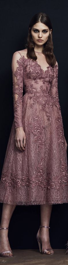 Zuhair Murad Pre-Fall 2018 Fashion Show India Fashion, Love Fashion, Runway Fashion, Fashion Show, Fashion Design, Mauve Dress, Autumn Fashion 2018, Beautiful Gowns, Dress To Impress