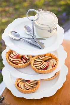 LOVE MY FOOD - Home page Picnic Restaurant, French Apple Tart, Apple Tarts, Vintage Picnic, Picnics, Farmers Market, I Foods, A Table, Catering