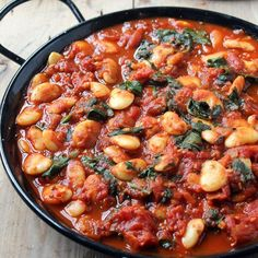 Smoky Spanish beans are a great main meal or tapas. Filling and tasty, only 159 cals! Spanish Beans, Food Dishes, Main Dishes, Easy Cooking, Cooking Recipes, Vegetarian Meals, Main Meals, Pasta Recipes, Tapas