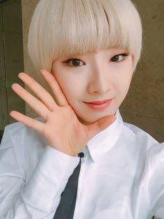 HaSeul ♪ LOOΠΔ