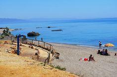 Playa y pueblo conforman una dualidad de ambientes que no te dejarán indiferente.
