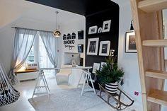 Czarno białe wnętrza pracowni projektowej SHOKO Design. Projekt: SHOKO Design