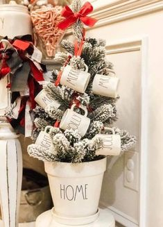 Best Farmhouse Christmas Tree Rae Dunn 68 Ideas - New Ideas Silver Christmas, Christmas Home, Vintage Christmas, Christmas Crafts, Christmas Ideas, Christmas Bedroom, Christmas Quotes, Christmas Pictures, Christmas Inspiration