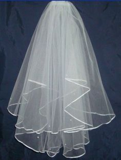 12.88$  Watch now - http://vijyc.justgood.pw/vig/item.php?t=2a7dp726800 - Womens 2 Tier White Bridal Veil Spread Pearls / Elbow Length with Comb Attach
