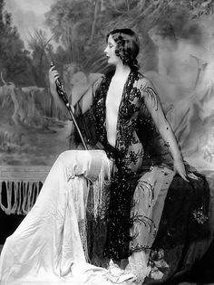 the beautiful girls in New York were Ziegfeld girls; photo by Alfred Cheney Johnston