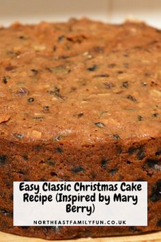 Easy Classic Christmas Cake Recipe (Inspired by Mary Berry) - Cake Recipes Mary Berry Christmas Cake, Easy Christmas Cake Recipe, Mini Christmas Cakes, Easy Fruit Cake Recipe, Christmas Recipes, Recipe Berry, Christmas Desserts, Christmas Fruitcake, Xmas Cakes