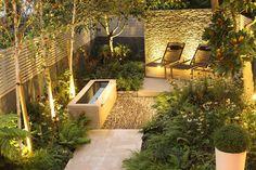 gartengestaltung-modern-beleuchtung-trockenmauer-natursteine-wasserbecken