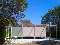 1952 - The Walter W. and Elaine Walker Guest House - designed by Paul Rudolph with Ralph Twitchell. School Architecture, Art And Architecture, Sarasota School, Walker House, Container House Design, Container Houses, Contemporary Apartment, Paul Rudolph, Cabin Homes