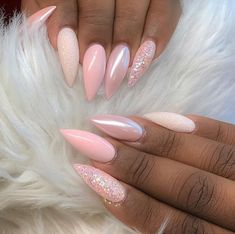 Pink Chrome Nails, Pink Stiletto Nails, Glitter Nails, Pink Holographic Nails, Gorgeous Nails, Pretty Nails, Ten Nails, Nagellack Design, Glamour Nails