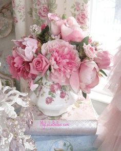 Super Ideas For Vintage Wedding Bouquet Peonies Shabby Chic Rosen Arrangements, Floral Arrangements, Flower Arrangement, Deco Floral, Arte Floral, My Flower, Pretty Flowers, Romantic Flowers, Pink Roses