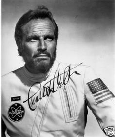 Charlton Heston signed Planet of the Apes rare photo (04/10/2008)