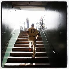 #sfgiants Tim Hudson enters the dugout at #attpark for his final career start. Photo by @punkpoint