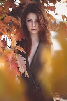 Automn beauty by fabrice meuwissen - photo 128313625 - . fall shoot f Forest Photography, Photography Women, Creative Photography, Fashion Photography, Fall Portraits, Outdoor Portraits, Fall Pictures, Fall Photos, Photo Portrait