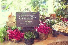cestos com flores (plantadas ou nao) para colocar na frente do barco