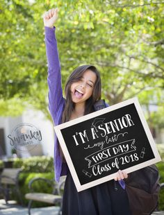First Day of Senior Year Sign, Printable First Day School. I'm a Senior Sign, Class of 2018 Printable Sign SwankyDesignCo | Etsy Graduation Photos, High School Graduation Picture Ideas, 8th Grade Graduation, Grad Pics, Class Shirts 2018, Seniors 2018 Shirts, Senior Girls, Senior Day, Senior 2018