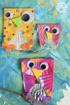 Easy Cupcake Liner Owls- OMG, how cute! And so simple to make.
