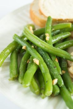 No-fail Butter and Garlic Green Beans - Perfectly cooked green beans tossed with butter and toasted garlic. A quick, easy, and delicious vegetable side dish. From BakingMischief.com