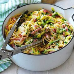 Courgetti Carbonara from Petra - Salad Recipes Zucchini Carbonara, Pasta Carbonara, Pasta Recipes, Low Carb Recipes, Healthy Recipes, Salad Recipes, Healthy Diners, Low Carb Brasil, Food Porn