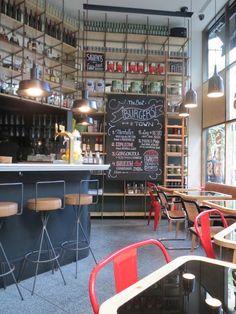 Fígaro, Barcelona. Drink bar perfecto para hacer un afterwork work y picar algo sencillo, justo delante del Velódromo.