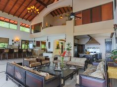 Dominical villa rental - Club House Villa gathering spaces and open kitchen.