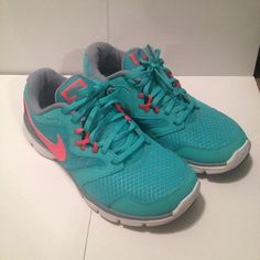 Nike Running Shoe Get these comfy running shoe to get beach body ready this summer. Enjoy the run with a pair of flashy color shoes. They are missing the insole, so they are as is. I am willing to negotiate on the price just give me a reasonable offer. Nike Shoes Athletic Shoes