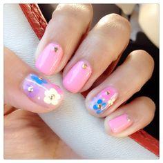 Summer pink floral nail art