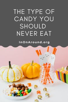 October 31st is right around the corner – you know what that means! How much Halloween candy is too much? What's commonly found in Halloween candy? Are there healthier Halloween candy alternatives that taste just as good? There are healthier options! This article digs into everything you'll want in your Halloween candy bowl, on your Halloween candy bar and table. These Halloween candy ideas give you the ultimate Halloween aesthetic. #addedsugar #candytable #halloweencandyideas #healthiercandy