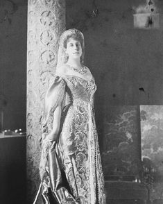 """Portrait of Victoria Melita, known as """"Ducky"""", daughter of Prince Alfred of The United Kingdom, Duke of Saxe-Coburg-Gotha and Grand Duchess… Maud Of Wales, Hesse, House Of Romanov, Court Dresses, Tsar Nicholas, Imperial Russia, Kaiser, Queen Victoria, Pictures To Paint"""