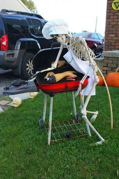 10 Easy Decorating Ideas For Halloween Camping And RV - motorian Halloween Prop, Halloween Outside, Halloween Skeleton Decorations, Halloween Haunted Houses, Outdoor Halloween, Diy Halloween Decorations, Holidays Halloween, Halloween Witches, Happy Halloween