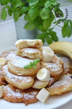 Racuchy z bananami na maślance - KulinarnePrzeboje.pl Pretzel Bites, French Toast, Bread, Cooking, Breakfast, Recipes, Food, Kitchen, Morning Coffee